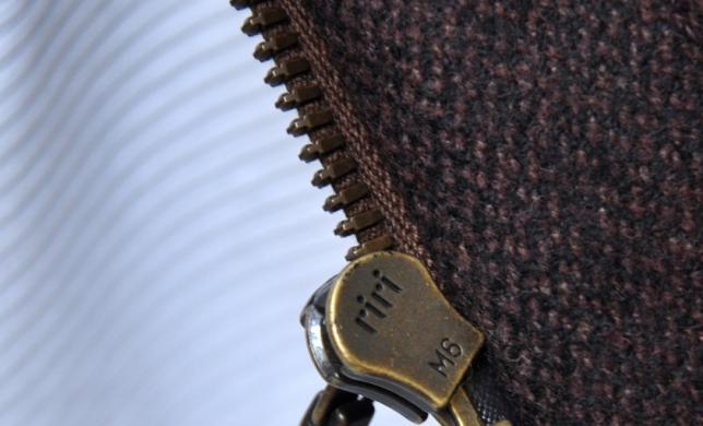 你知道怎样从拉链辨别奢侈品的真伪吗??